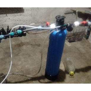 Змонтована система комплексного очищення води зі свердловини з ручним клапаном