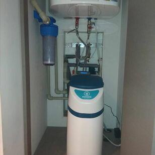 Монтаж системы умягчения воды в ЖК
