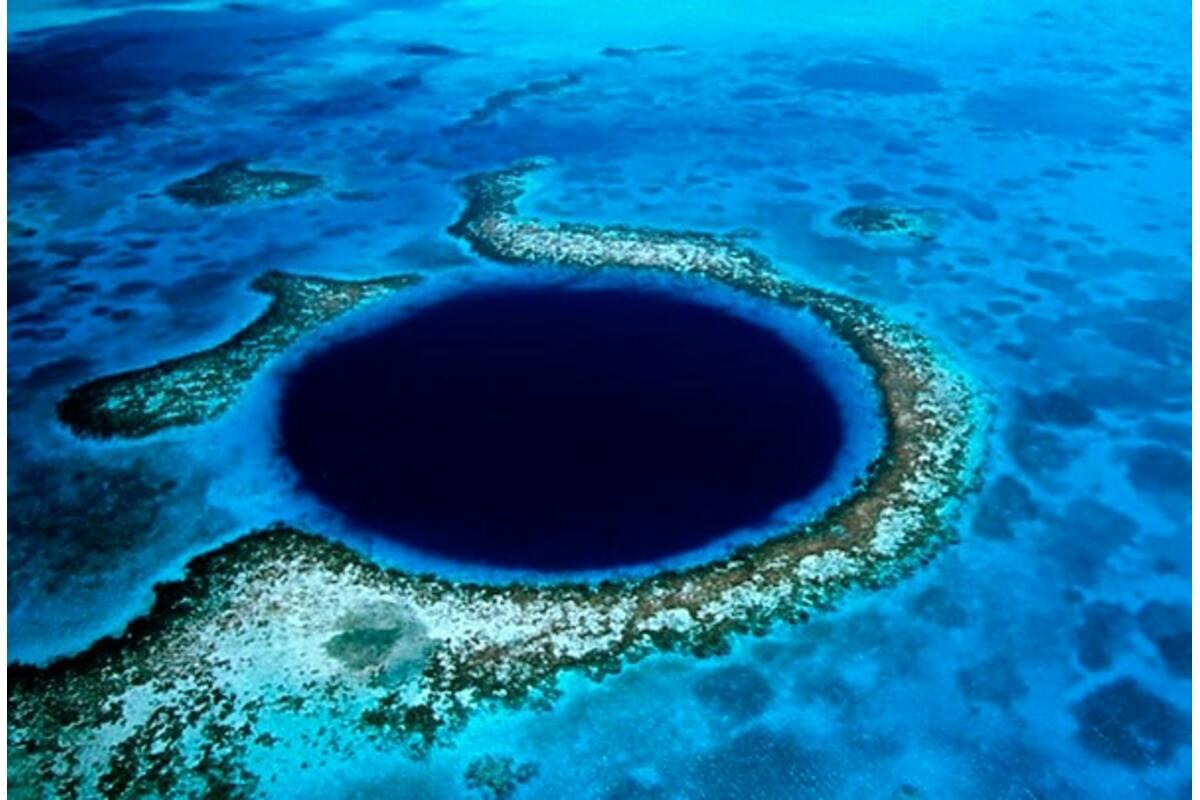 Блу-Хоулс — Сині отвори на воді